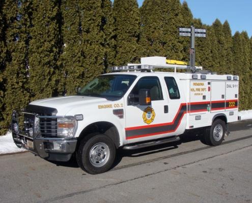 Command Light, Shadow Series, LED Light Tower, Fire Truck Lights, Command Light on top of ambulance lighting scene